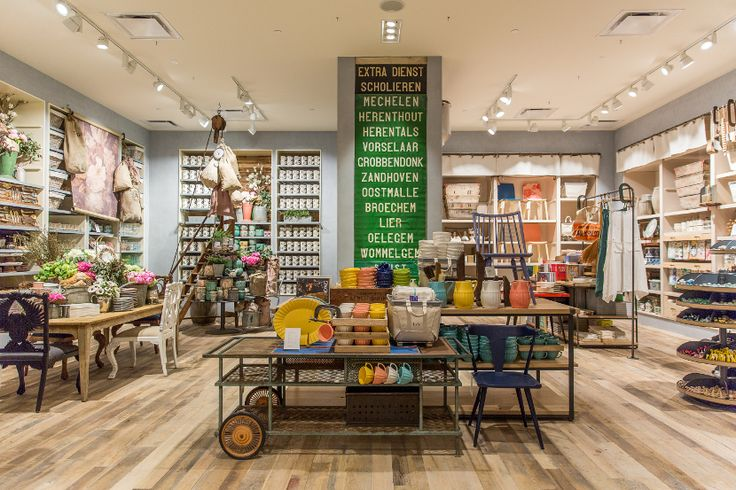 Take a peek inside the new Anthropologie Newport Beach store. Take a tour through our apparel, shoes, bedding, beauty and lingerie in-store collections.