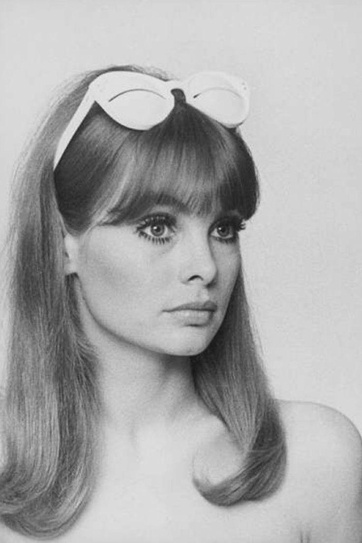 Jean Shrimpton in Courreges sunglasses photographed by Peter Knapp 1966