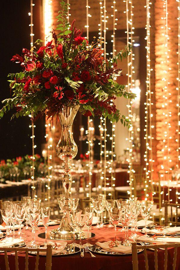 Decoração de casamento com espelhos, cristais e luzinhas - Constance Zahn | Casamentos