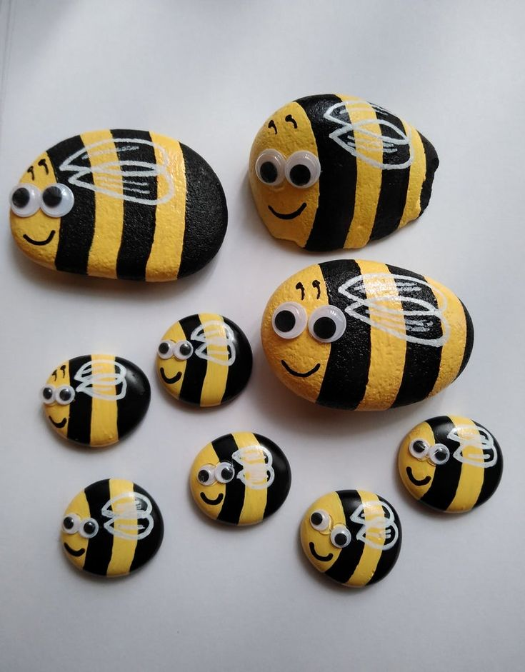 Pet Rock Animals, Bee pet, Wishing Rock, Silly Pet, Handmade, Gift for Friends, Comfort Stones, Pocket Stones, Garden Decor, Art