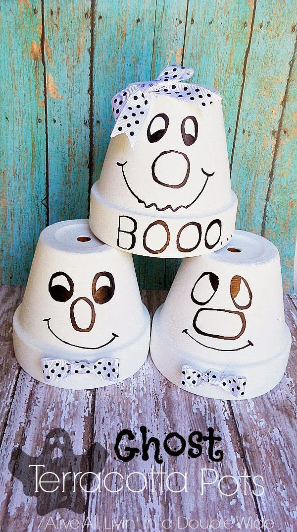 I love quick craft projects. I mean I LOVE LOVE LOVE quick craft projects! It's such a moral booster to finish a project quickly and have it turn out well. These little painted pot Ghosts are that type of projects. One pot can be easily finished in 15 minutes or less {depending on drying time}. …