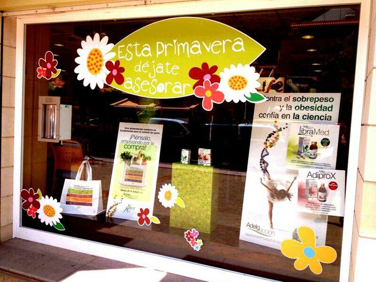 Escaparate primavera Farmacia Celina-Valle Gran Rey- La Gomera