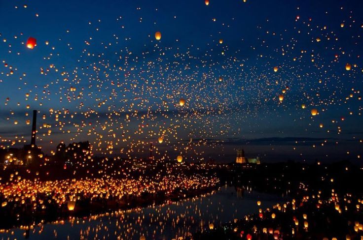 8,000 lanterns over Poznan, Poland for the Midsummer Night's Dream.