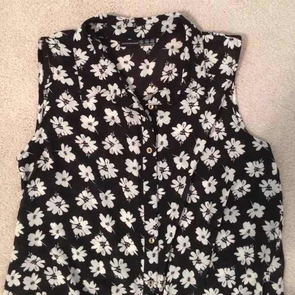 Primark dress with daisy flower print Primary black dress with white daisy flower print. Button down dress! Worn once, looks new! Primark Dresses