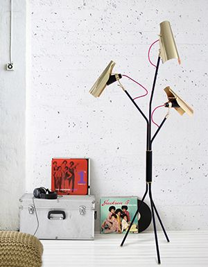 Discover the Top 50 Floor Lighting Designs and be inspired for your contemporary modern home decor and finish your interior design project   www.contemporarylighting.eu #contemporarylighting #homedesignideas #interiordesignprojects #interiordesign #modernhomedecor #lightingdesign #uniquelamps #industrialdesign #midcenturytrends