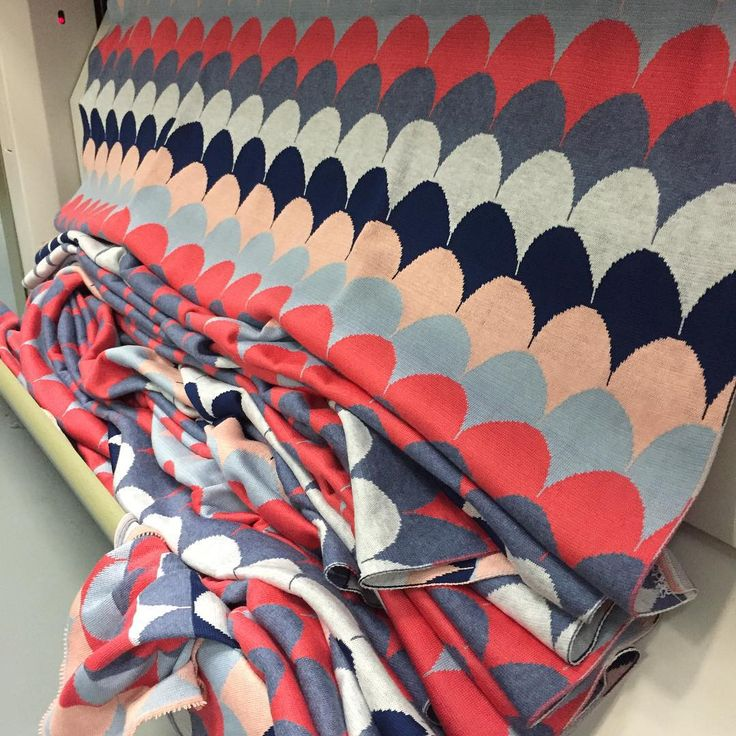 Uimi - Phoenix blanket in Coral coming off the machine www.uimi.com.au