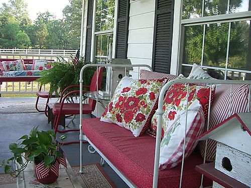 red porch love: Irons Beds, Country Porches, Beds Porches Benches, Antiques Beds, Porches Decks Sunroom, Cottages Porches, Porches Furniture, Porches Ideas, Front Porches Pillows