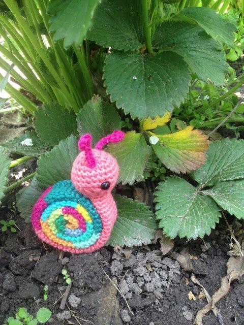 Crochet Snail Amigurumi Pattern