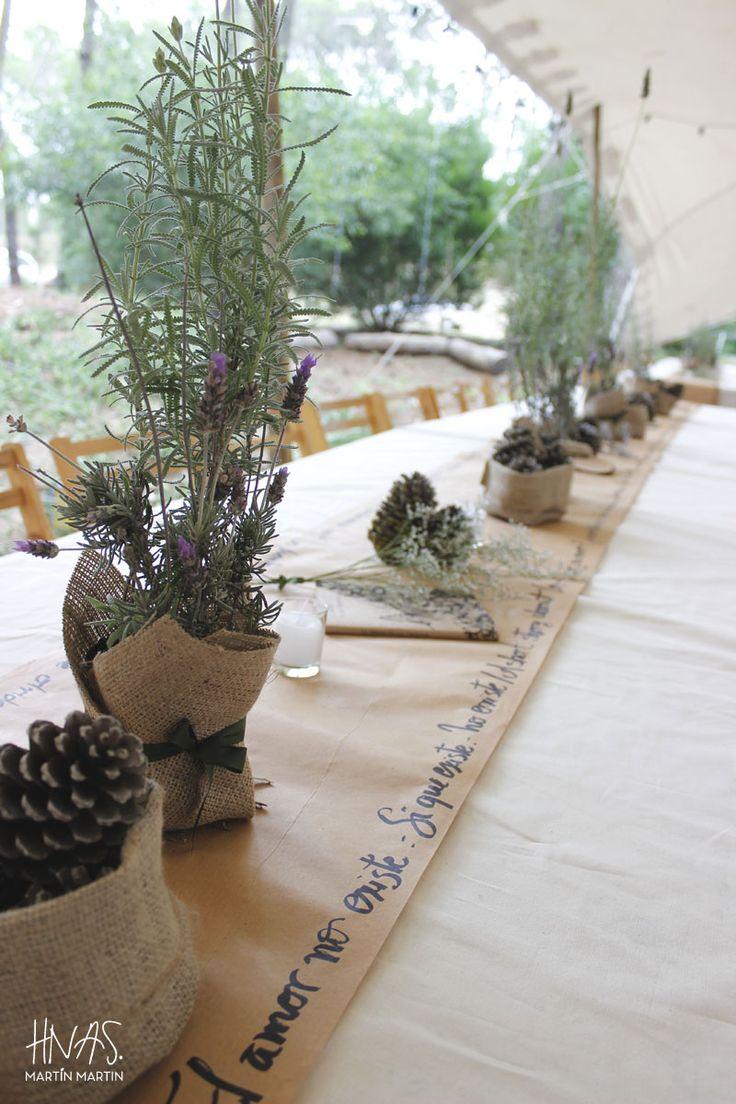46 best un casamiento en el bosque images on pinterest - Centros de mesa con pinas ...