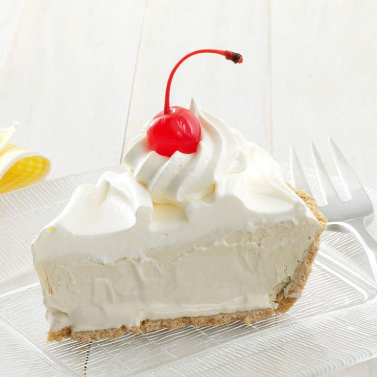 This Root Beer Float Pie  is a refreshing light dessert and quick to make, too! Find more Low Fat Dessert Recipes  http://www.tasteofhome.com/Recipes/Healthy-Eating/Low-Fat-Recipes/Low-Fat-Dessert-Recipes?keycode=ZFB0513HUB