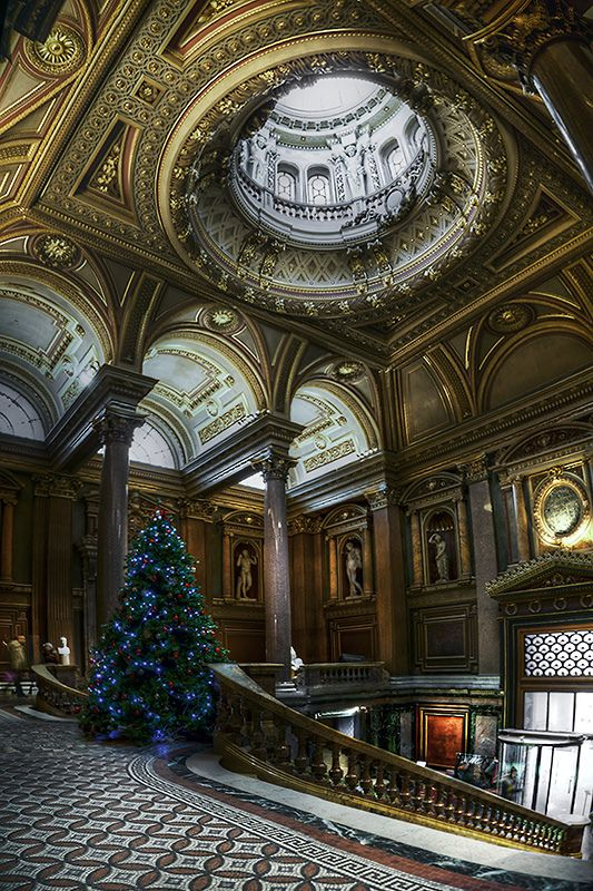 Entrance hall to the Fitzwilliam Museum in Cambridge, England, UK