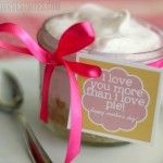 Frozen lemonade pie in a jar with a free mother's day printable!