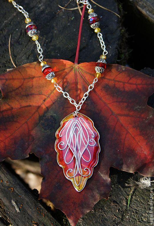 """Купить Кулон """"Красно-серебряный листик"""" - ярко-красный, волшебный лес, феи, фентези, эльфы"""