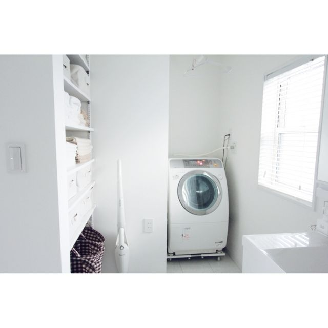 asuさんの、バス/トイレ,無印良品,洗面所,洗濯機周り,ウッドブラインド,洗濯機,洗面所 棚,白が好き,洗面所 収納,のお部屋写真