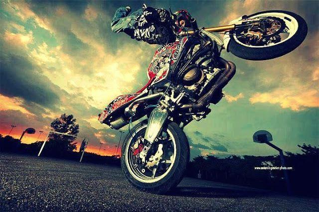 Vive Un Mundo  De Motos❤                      (Stunt Riders Y Motocross)  : SI A USTED LEDA MIEDO CAERSE NUNCA PODRÁ LEVANTAR...