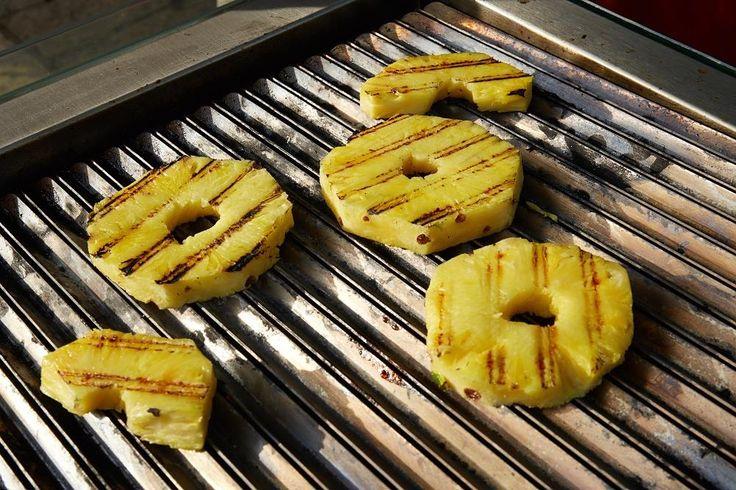 po pořádném steaku na slehnutí ogrilovaný ananas :)