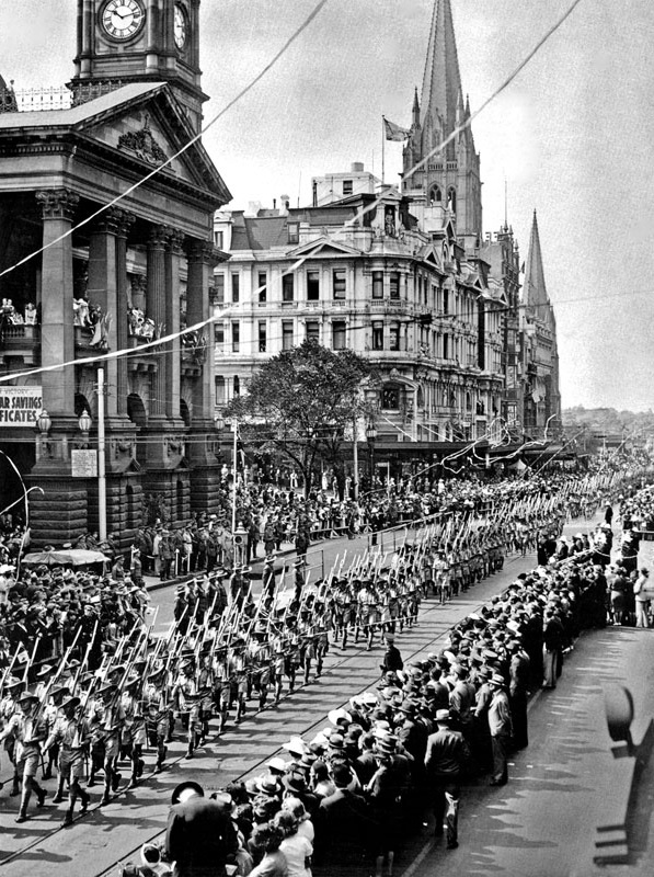 1940/45 WW2 Military March, passed the Town Hall, Swanston St looking South