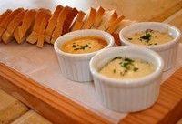 Chtipiti Kaasdip. Lekkere gekruide Feta kaas dip kunt u eten bij brood, maar ook lekker bijvoorbeeld om champignons mee te vullen of tomaat. Of een hele lekkere groenten dip.
