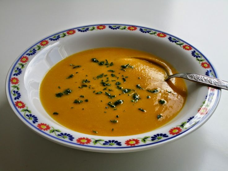 Velvety soup cicerchie sweet potato and pumpikin