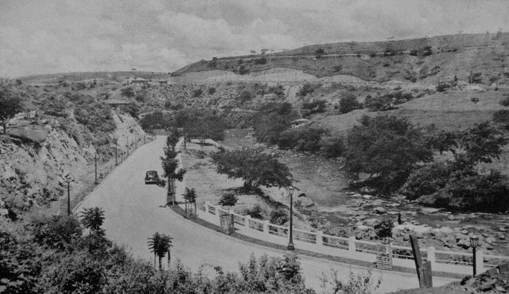 Cali Avenida Belalcazar Vuelta de Los Pedrones.http://www.creativoscolombianos.com/photo/