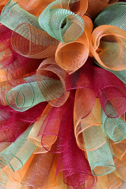 Tutorial: How To Make A Curly Deco Mesh Wreath (wedding colors!)