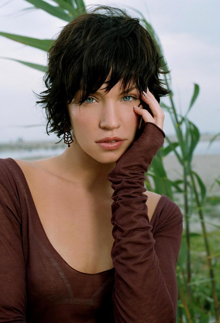 "Ashley Scott - love this hair cut! uly 13, 1977, 12:00 PM (unknown) In:	Metairie (LA) (United States) Sun:	21°10' Cancer	 	  Moon:	21°37' Gemini	 	  Dominants:	Gemini, Leo, Cancer Moon, Neptune, Mercury Air, Fire / Mutable Chinese Astrology:	Fire Snake Numerology:	Birthpath 8 Height:	Ashley Scott is 5' 9"" (1m75) tall"