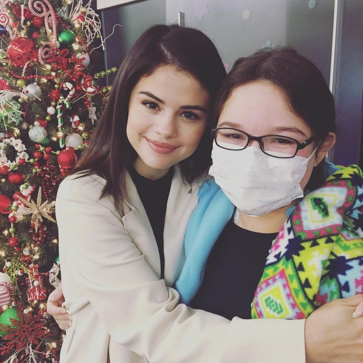 @livingbooksnook: So like, this just happened. BFF's with @selenagomez at #cookchildrens ❤️❤️❤️❤️❤️❤️❤️❤️ Sweet lovely lady who is also an #AutoimmuneFighter just gave a boost of hope to my beautiful girl! #beofgoodcheerbug