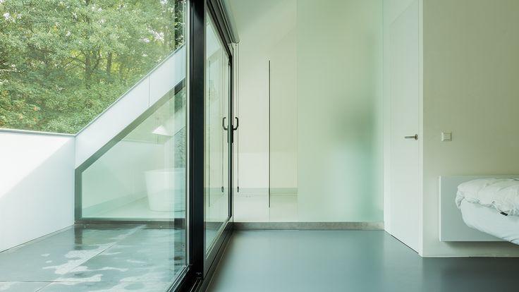 De 25 populairste idee n over verhoogde slaapkamer op pinterest klein appartement ontwerp - Idee outs semi open keuken ...