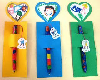 Ideia para pintar papel a colocar no interior duma caneta e oferecer ao pai