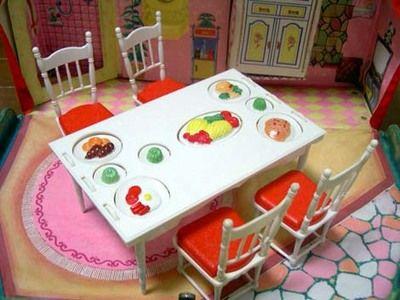 リカちゃん パーティーテーブル