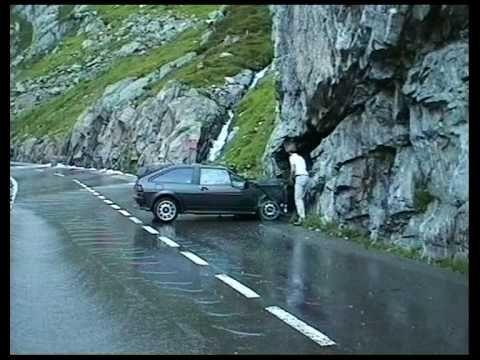 Swiss Car Crash on Sustenpass Autounfall