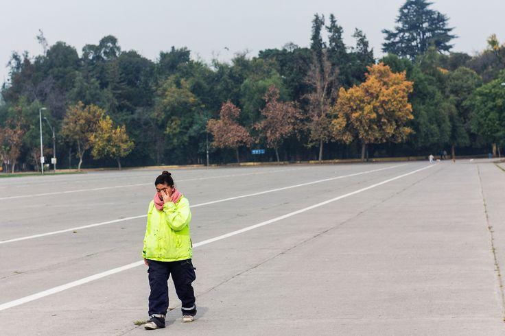 Santiago y su gente - Trabajadora Parque O'higgins Santiago de Chile - 2016