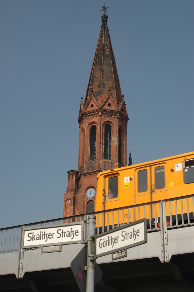 Emmaus-Kirche am Lausitzer Platz #berlin #kreuzberg #lausi #so36 #ubahn #linie1 #goerli, Foto by #papaweng