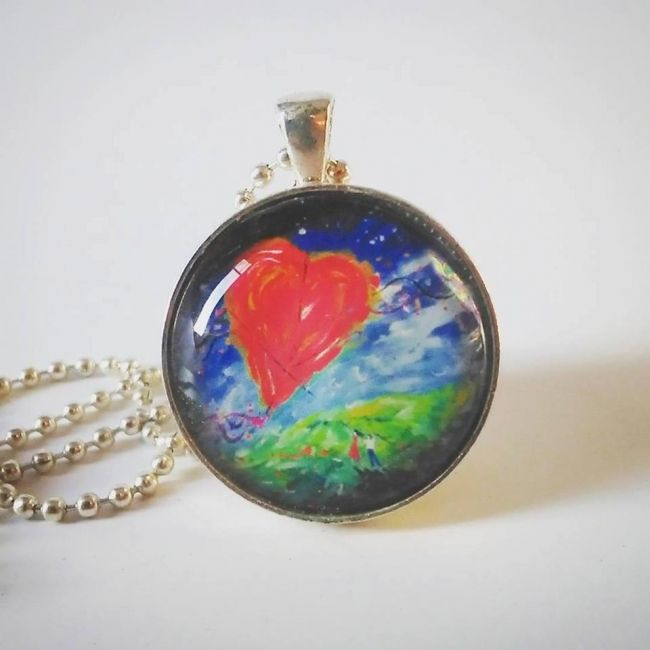 Enter to win: Hold on to Love Pendant | http://www.dango.co.nz/pinterestRedirect.php?u=nlzR9gOv4176