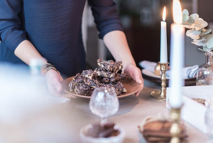 Oh christmas rockyroad! Enjoy!  Foodstyling made by Hanna Juhala. Tablesetting, ideas for christmas  www.lempvisions.com