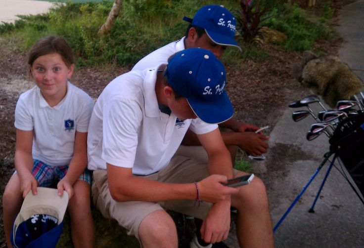 Less time texting and more time putting = lower golf scores!