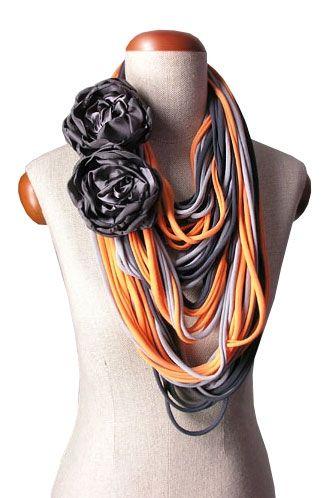 Naszyjnik dzianinowy Grafit-szary-pomarańcz z grafitowymi broszkami | Milita Nikonorov oficjalny butik projektantki