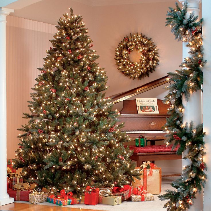 Green Christmas Tree Hawthorne 7.5 FT LED 1,100 Mini Lights Warm White Frosted Berries Pinecones