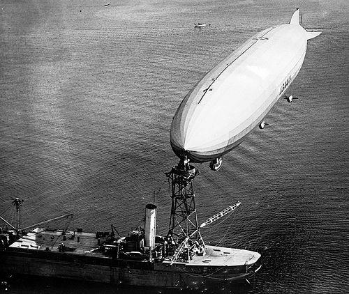 USS Shenandoah moored to USS Patoka
