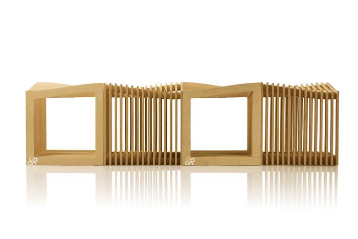 Tabanda e format dinMalgosia Malinowska, Filip Ludka și Tom Kemp – trei arhitecți din Polonia pasionați și de designul de mobilier și accesorii. La Łódź Design Festivalei ne-au convins că designul inspirat din natură, ergonomic, cu un aspect cât se