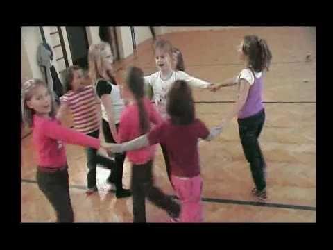 Choreografie Mravenci ukolebavka - YouTube
