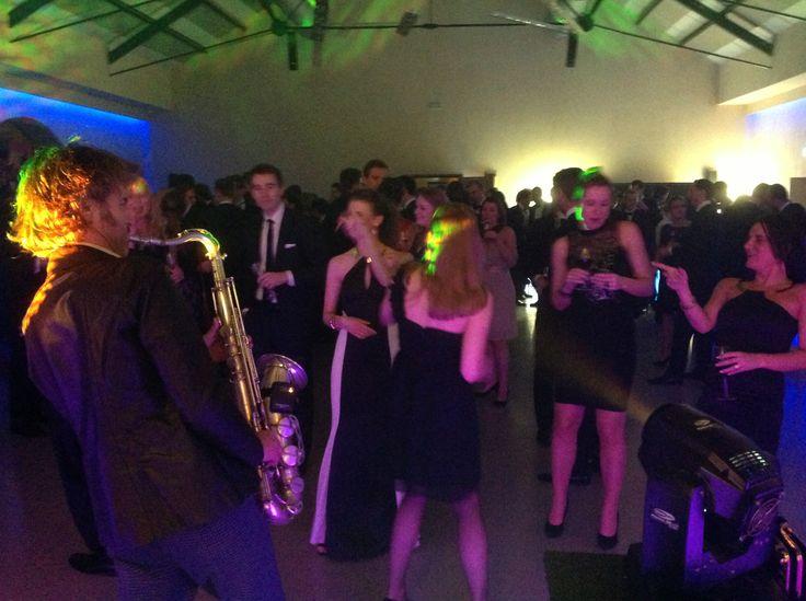 Swingend bedrijfsfeest samen Toon op saxofoon bij Eplore by Lute in Muiden