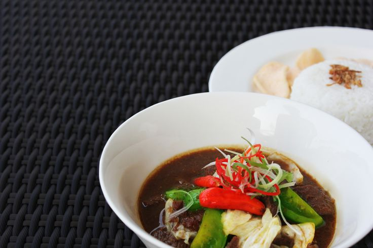 Lamb lovers will enjoy our new authentic menu at Kembang Goyang Restaurant. Tongseng Kambing, with ingredients being lamb and vegetable with Indonesian spices. Bring indulgence to a new level with chili sauce and rice. Available only in March.