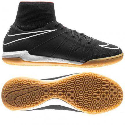 Najnowsze buty halowe Nike HypervenomX Proximo IC są już dostępne. Stworzone od podstaw, specjalnie do gry na małych boiskach z utwardzoną płaską powierzchnią. Cholewkę tworzy cienki i elastyczny materiał NikeSkin dzięki czemu całość z łatwością dopasowuje się do kształtu stopy, zapewniając świetne czucie piłki.  #PiłkaNożna #Football #Futbol #Nike #NikeFootball #Swoosh