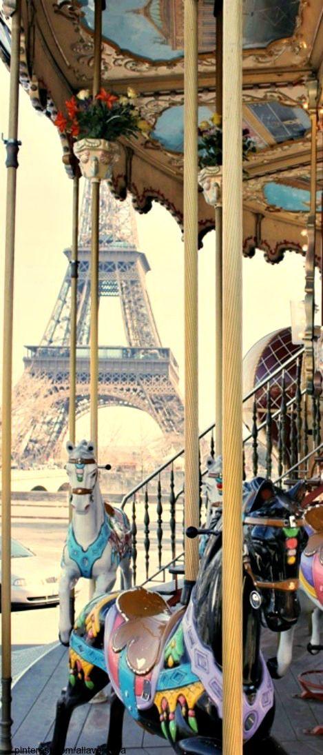 Carousel ride in Paris