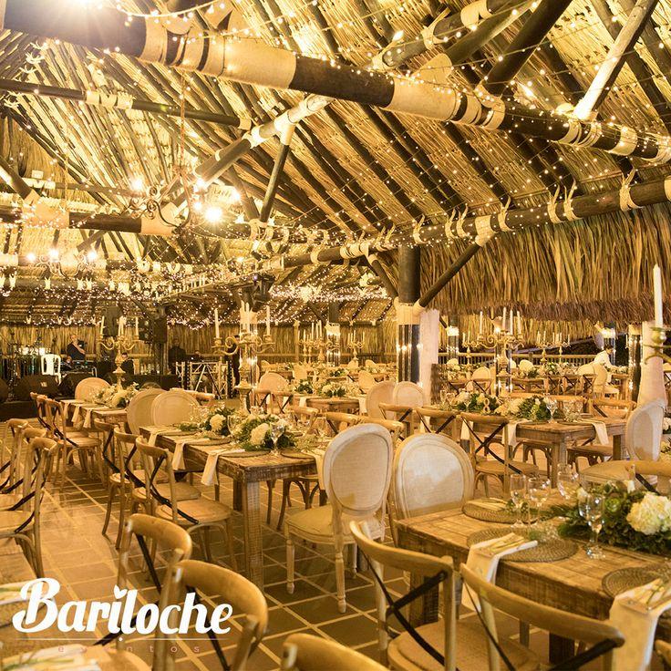 Aquí nuestro mayor deseo es sorprenderte, por eso, siempre vas a querer volver.  #EventosBariloche #ExperienciaBariloche #Bariloche #Bodas #Eventos #BodasCampestres #Wedding #WeddingPlaner #BodasColombia #EventosSociales #NoviasMedellín