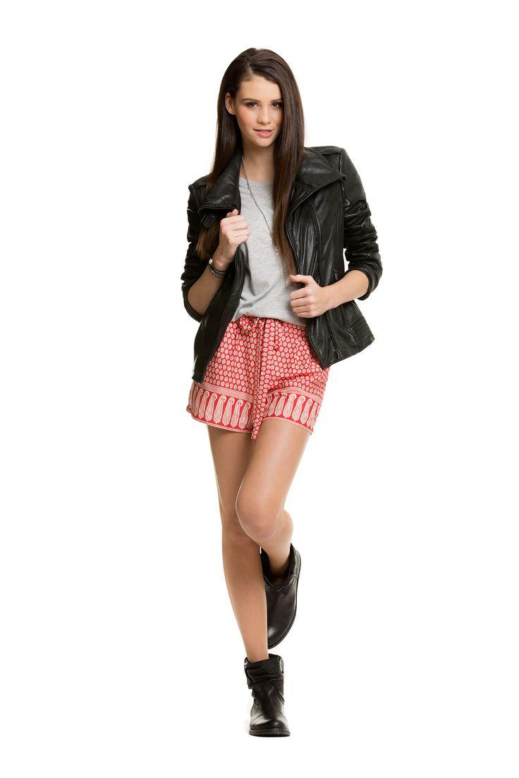 Lässiges Rocker Outfit http://www.youandidol.de/betty-taube/outfit/laessiges-rocker-outfit-445