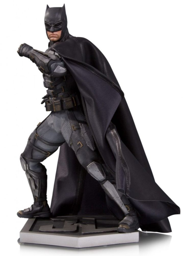 Yahoo Movies has the exclusive first look at DC Collectibles' upcoming line of premium, screen-accurate 12-inch statues based on the Justice League lineup.  The meticulously detailed poly-resin sculpts were designed in coordination with Warner Bros. and present our best look yet at the costumed characters