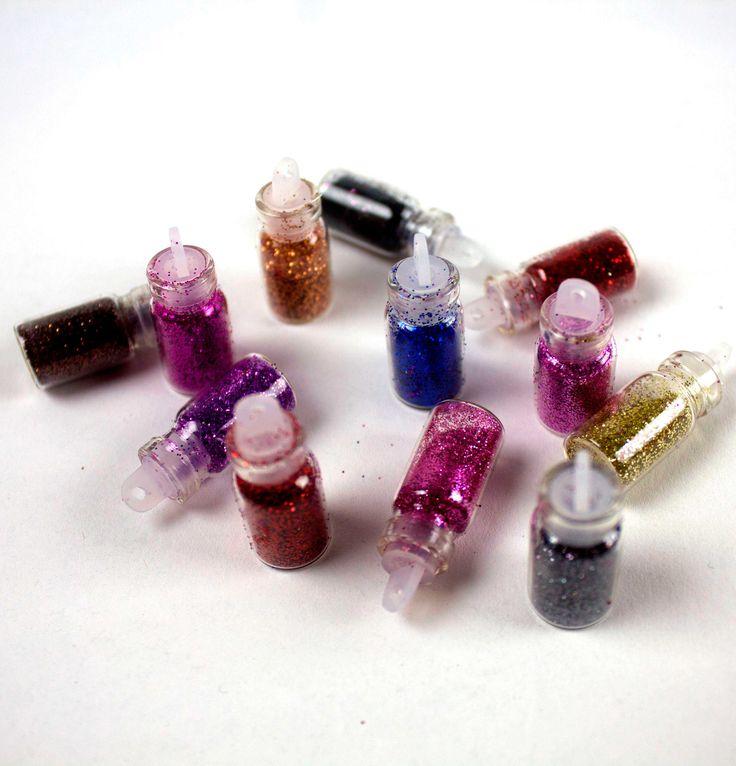 Цветной песок – это мелкие шарообразные крупинки в разнообразной цветовой гамме. Очень красиво смотрится в дизайне ногтей💅❤. Цена такого наборчика (12 шт) - 60 грн. Всегда рады вашим вопросам и звонкам😉 тел.➡ 0976683001