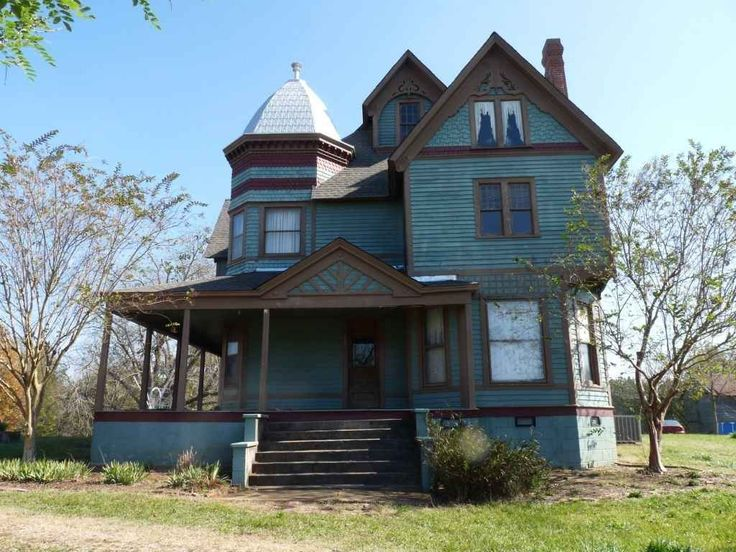 1892 Queen Anne – Macon, MS (George F. Barber) – 608-Magnolia-Dr-